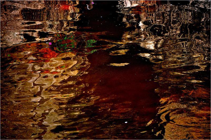 damassé-rouge-et-or-bayeux-2014_0091.JPG